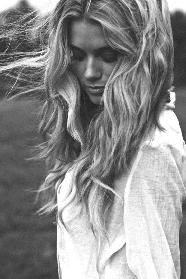 Black and white messy hair