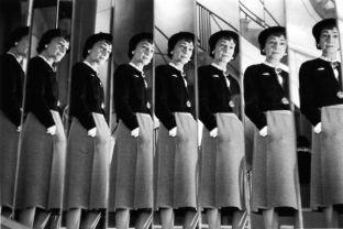Coco Chanel aux miroirs - 1953 - Robert Doisneau.
