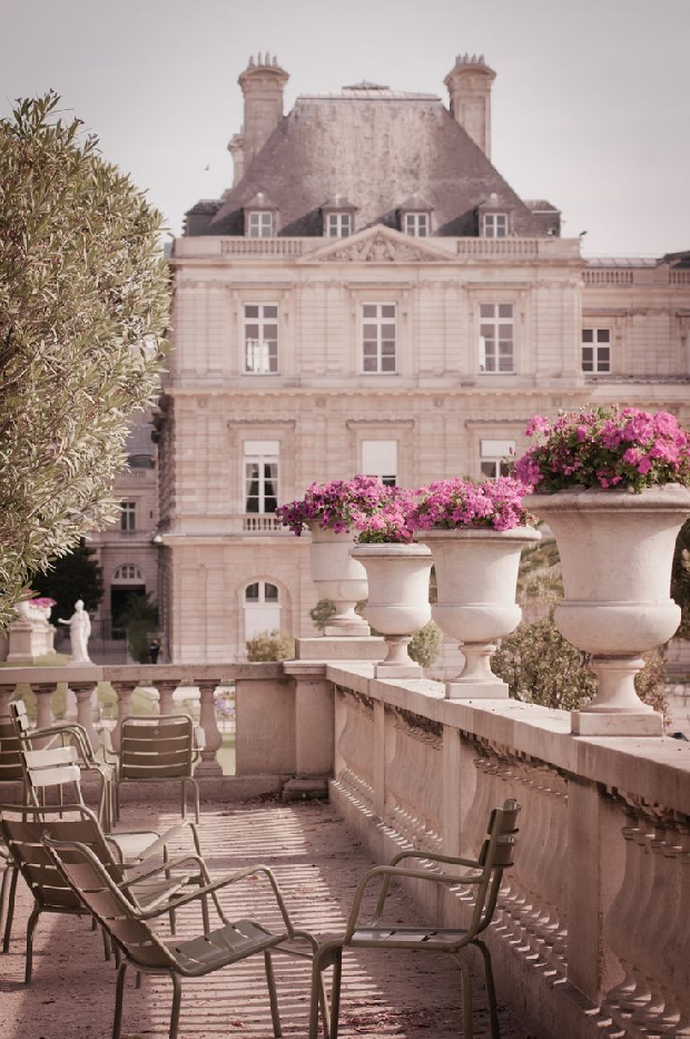 Paris 10 romantic things to do in paris quintessence for Piscine jardin du luxembourg