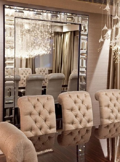 Luxurious Dining Room in Blush Pink