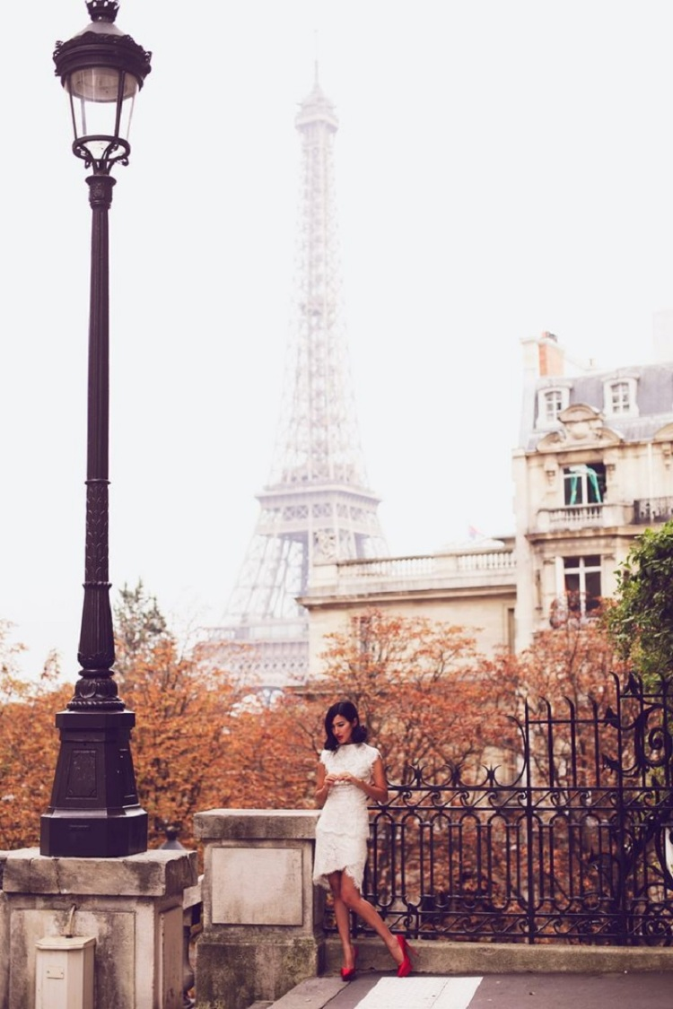 Nicole Warne in Paris